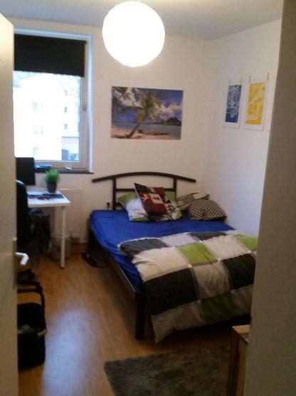 g nstiges 12 qm zimmer im sch nen eversten wg zimmer in oldenburg eversten. Black Bedroom Furniture Sets. Home Design Ideas