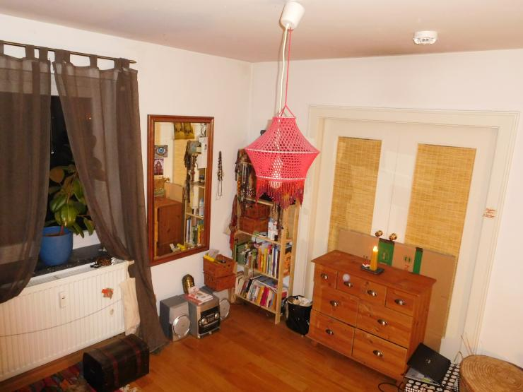 12 qm zimmer in netter 4er wg wohngemeinschaft regensburg regensburg. Black Bedroom Furniture Sets. Home Design Ideas