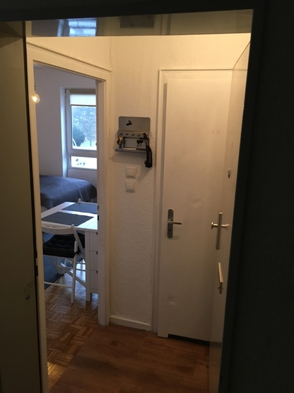 zentrale 1 zimmer wohnung auf zeit 1 zimmer wohnung in. Black Bedroom Furniture Sets. Home Design Ideas