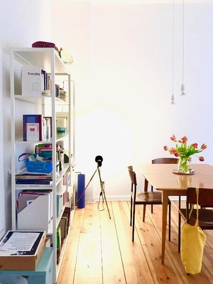 sch ne 2 zimmerwohnung in neuk lln zur zwischenmiete wohnung in berlin neuk lln. Black Bedroom Furniture Sets. Home Design Ideas