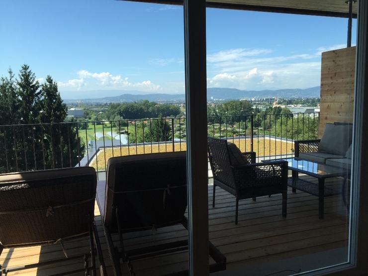 suche mitbewohnerin m blierte wohnung 70qm 14qm zimmer 10qm balkon 2er wg zimmer m bliert. Black Bedroom Furniture Sets. Home Design Ideas