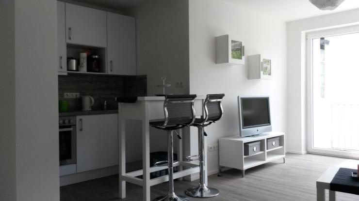 modernes wohnen mit balkon im vorderen westen 1 zimmer wohnung in kassel vorderer westen. Black Bedroom Furniture Sets. Home Design Ideas