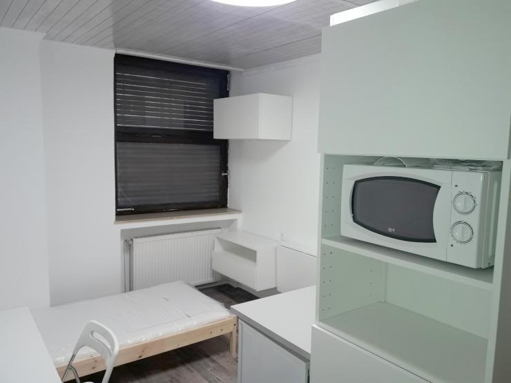 helle m blierte 1 zimmer wohnung in der innenstadt 1. Black Bedroom Furniture Sets. Home Design Ideas