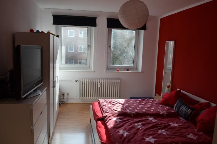 sch nes 18 qm zimmer zur zwischenmiete in unin he wg zimmer in kiel ravensberg. Black Bedroom Furniture Sets. Home Design Ideas
