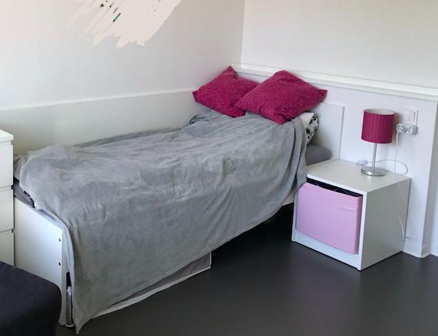 nur f r studenten 1 zimmer apartment in neu errichtetem. Black Bedroom Furniture Sets. Home Design Ideas
