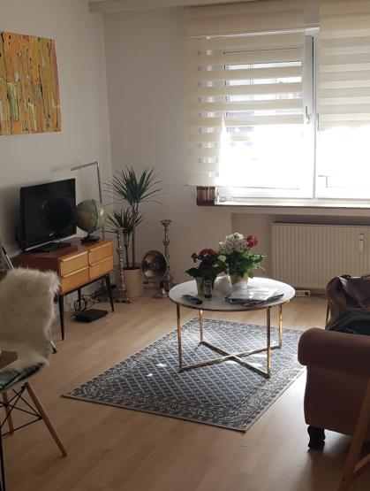 tolle wohnung im beliebten agnesviertel ab sofort. Black Bedroom Furniture Sets. Home Design Ideas