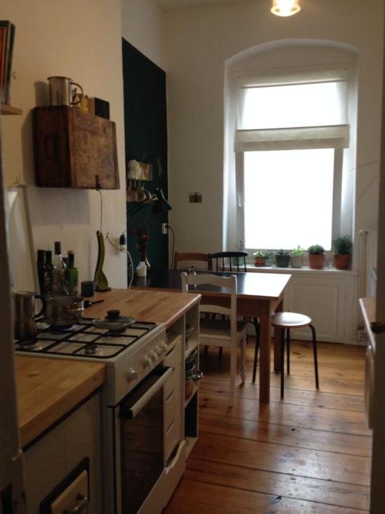 wundersch ne ruhige 1zkb altbauwohnung in neuk lln 1 zimmer wohnung in berlin neuk lln. Black Bedroom Furniture Sets. Home Design Ideas