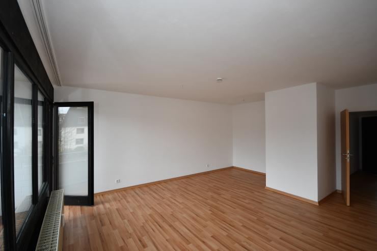 1 zimmer wohnung schnell an der uni renoviert mit balkon 1 zimmer wohnung in kassel nord. Black Bedroom Furniture Sets. Home Design Ideas
