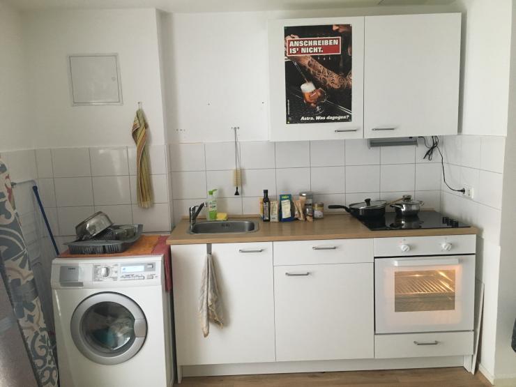 sch ne 2 zimmer wohnung mit k che und waschmaschine ab wohnung in bonn castell. Black Bedroom Furniture Sets. Home Design Ideas