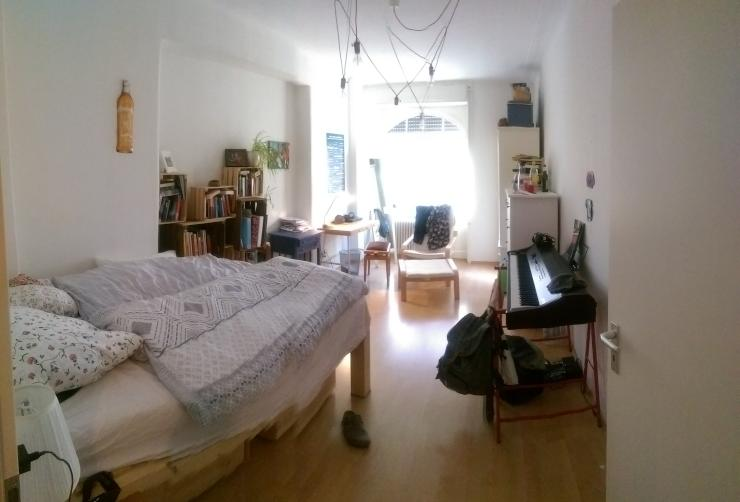 sch nes zimmer in altbauwohnung am h lderlinplatz wg zimmer stuttgart west. Black Bedroom Furniture Sets. Home Design Ideas
