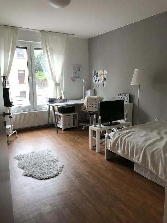 helles 15qm zimmer mit eigenem badezimmer in 2 er wg wg zimmer in osnabr ck westerberg. Black Bedroom Furniture Sets. Home Design Ideas