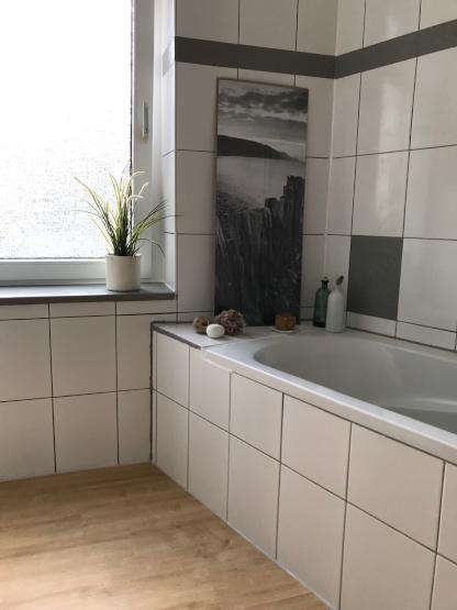 charmante 4 zi altbau wg wohng elberfeld lberg ab mai juni wohnung in wuppertal elberfeld. Black Bedroom Furniture Sets. Home Design Ideas