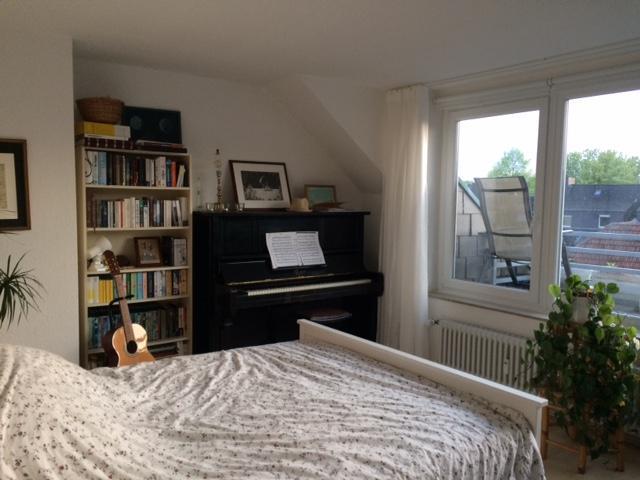 lichtdurchflutete wohnung mit balkon wohnung in essen r ttenscheid. Black Bedroom Furniture Sets. Home Design Ideas