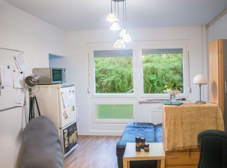 g nstige sch ne 1 raum wohnung nachmiete 1 zimmer wohnung in dresden prohlis. Black Bedroom Furniture Sets. Home Design Ideas