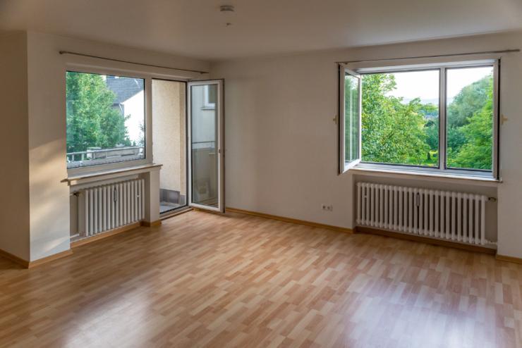 freundliche helle 3 zimmer wohnung mit balkon und badewanne wohnung in aachen aachen. Black Bedroom Furniture Sets. Home Design Ideas