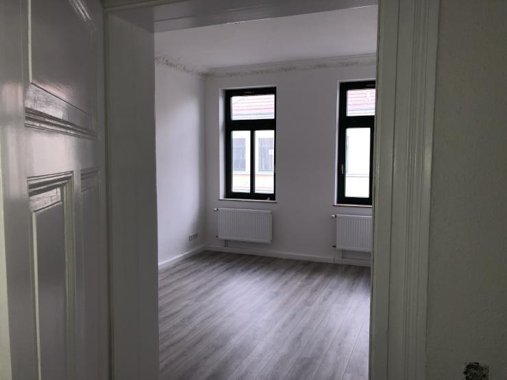 sch ne licht durchflutete 2 zimmer wohnung in alt lindenau wohnung in leipzig altlindenau. Black Bedroom Furniture Sets. Home Design Ideas