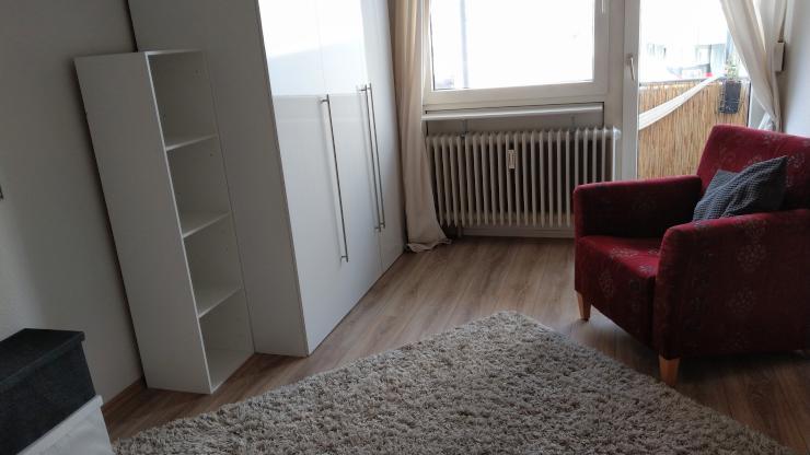 sch ne 1 zimmer wohnung zur zwischenmiete zentral gelegen august m rz 1 zimmer wohnung in. Black Bedroom Furniture Sets. Home Design Ideas