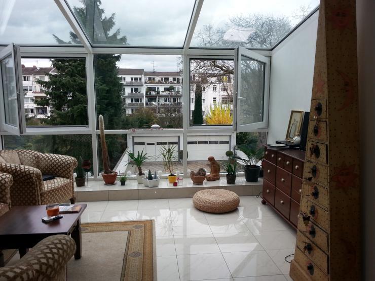 Sch ne vollm blierte 1 zimmer wohnung mit wintergarten for Wohnung zur zwischenmiete