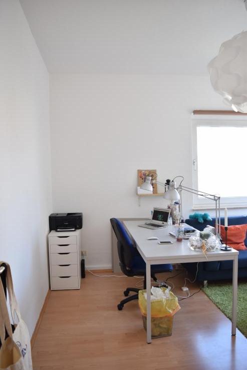 zwischenmiete f r sch nen 2 zimmer wohnung mit kleine. Black Bedroom Furniture Sets. Home Design Ideas