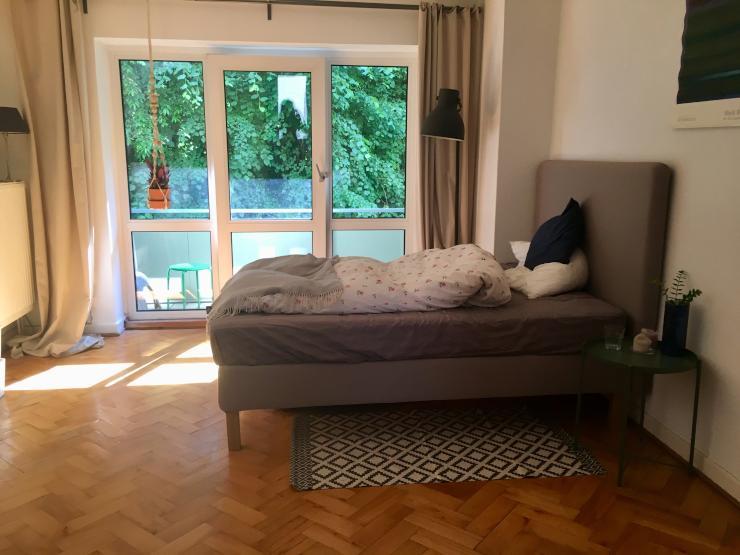ruhige 1 zimmerwohnung mit balkon ins gr ne 1 zimmer wohnung in kiel bl cherplatz. Black Bedroom Furniture Sets. Home Design Ideas