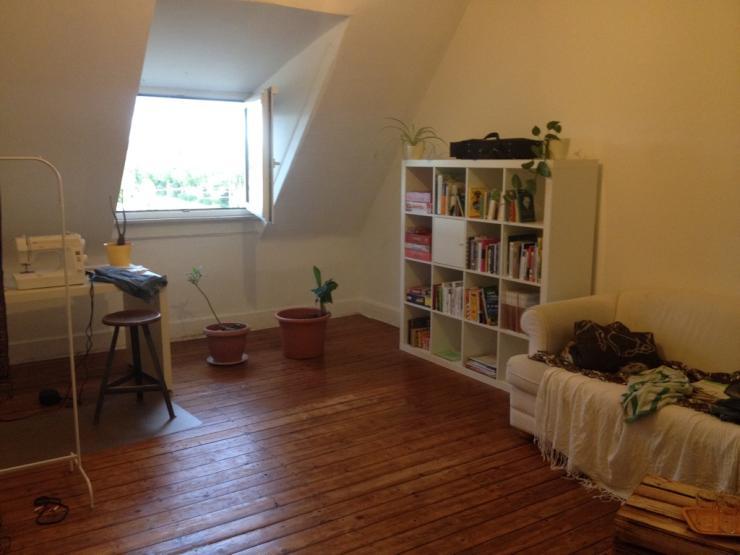 gem tliches zimmer in altbauwohnung oststadt zimmer m bliert karlsruhe innenstadt ost. Black Bedroom Furniture Sets. Home Design Ideas