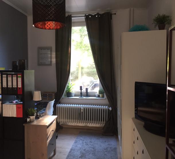 1 zimmer wohnung mit balkon ganz nah an der uni 1 zimmer wohnung in kiel ravensberg. Black Bedroom Furniture Sets. Home Design Ideas