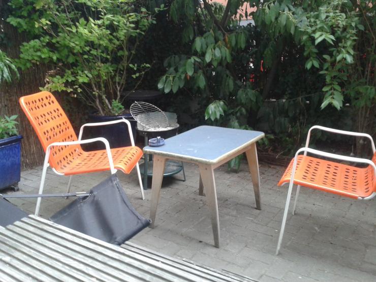 wg in ostend bornheim mit balkon und kleinem garten sucht entspannte n mitbewohner in wgzimmer. Black Bedroom Furniture Sets. Home Design Ideas