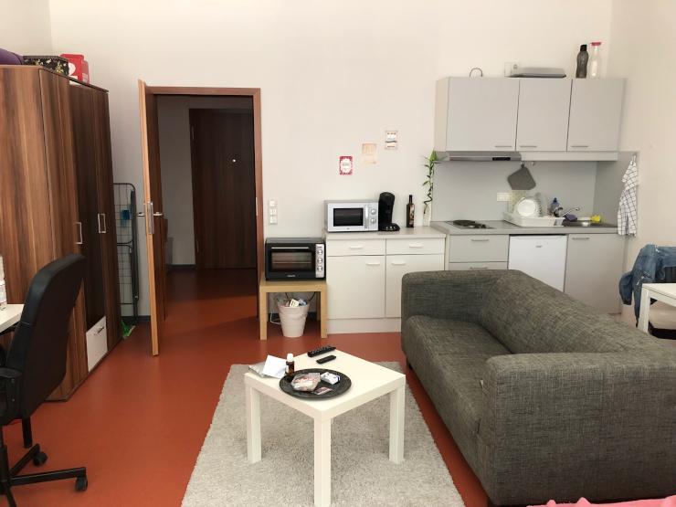 1 zimmer appartment im studentenwohnheim 1 zimmer wohnung in mannheim schwetzingerstadt. Black Bedroom Furniture Sets. Home Design Ideas