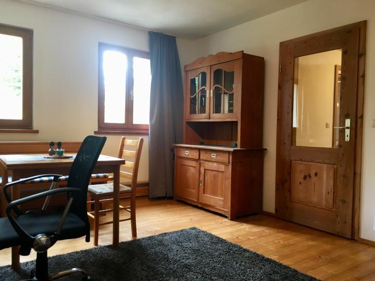 sch nes und g nstiges 270 inkl internet und m bel appartement nahe regensburg zur. Black Bedroom Furniture Sets. Home Design Ideas