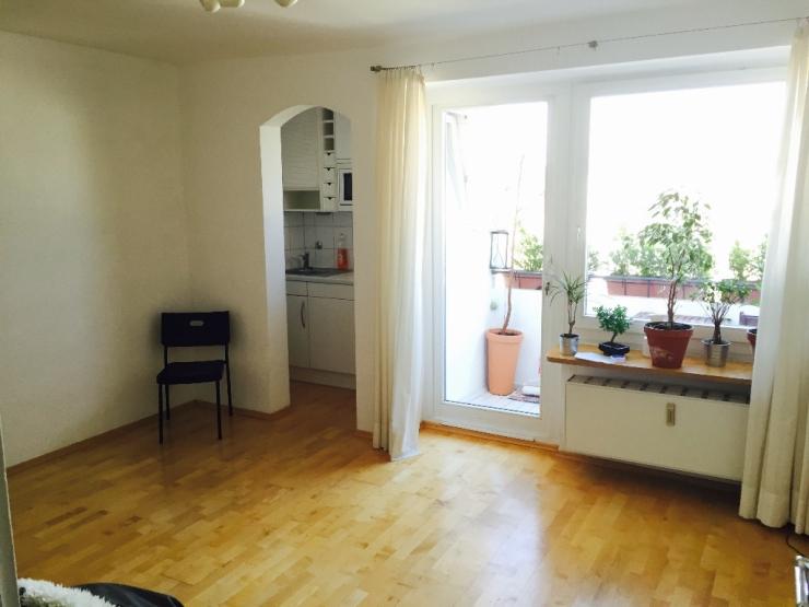 ruhiges renoviertes appartement in der maxvorstadt. Black Bedroom Furniture Sets. Home Design Ideas