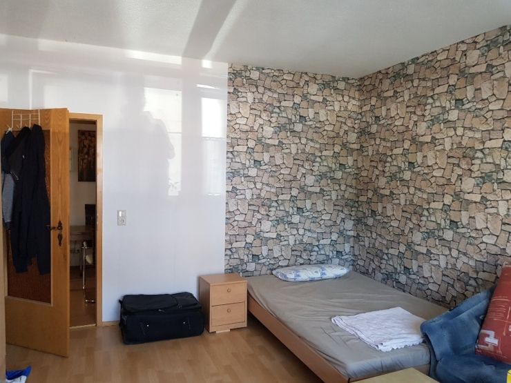 m bliertes zimmer 17qm kurzfristig in 3er wg wohngemeinschaften in dresden m bliert dresden. Black Bedroom Furniture Sets. Home Design Ideas