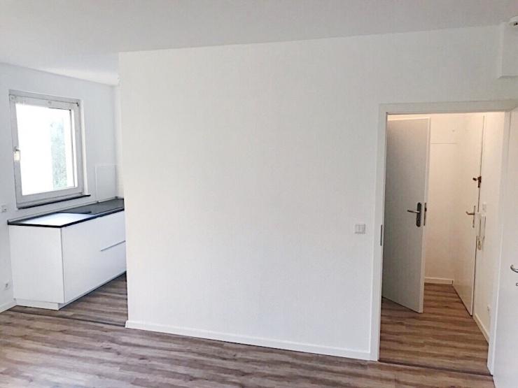 sch nes apartment komplett saniert 1 zimmer wohnung. Black Bedroom Furniture Sets. Home Design Ideas