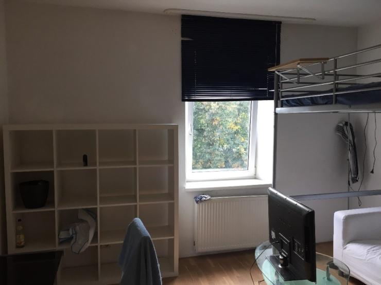 m beliertes zimmer 14 qm in 4er wg zimmer nr 4 wohngemeinschaften in rosenheim innenstadt. Black Bedroom Furniture Sets. Home Design Ideas