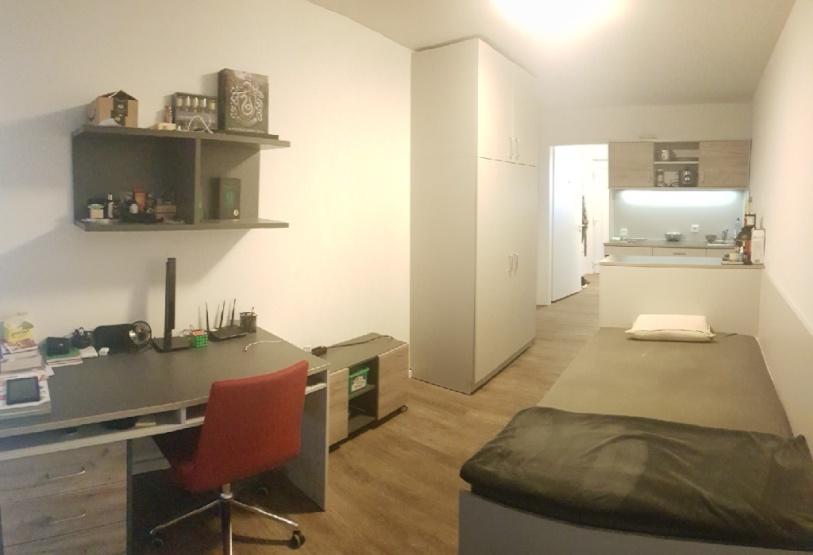 nachmieter gesucht 1 zimmer wohnung the fizz hannover 1. Black Bedroom Furniture Sets. Home Design Ideas