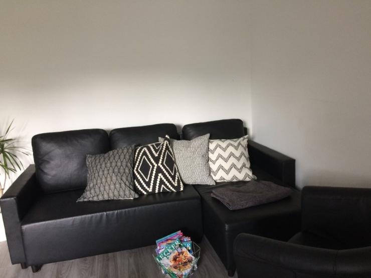 sch ne 1 zimmer wohnung zum abzugeben 1 zimmer wohnung in frankfurt am main hausen. Black Bedroom Furniture Sets. Home Design Ideas