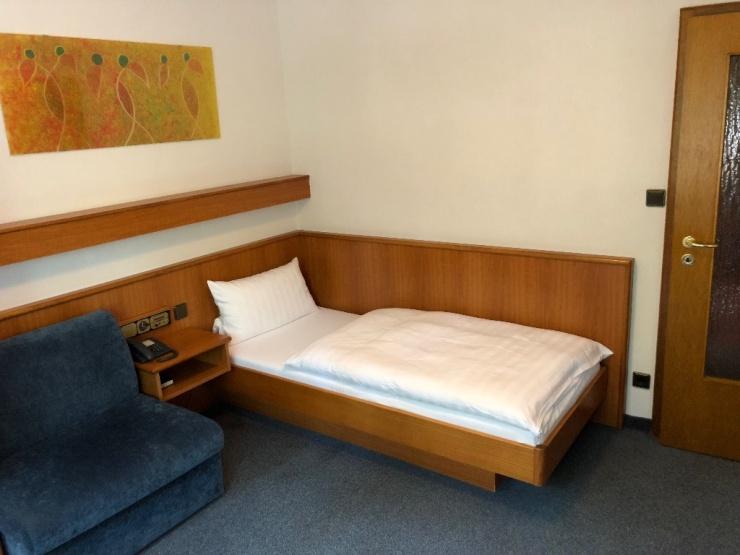 Möblierte 1-Zimmer Wohnung direkt am Kurpark Bad Vilbel ...