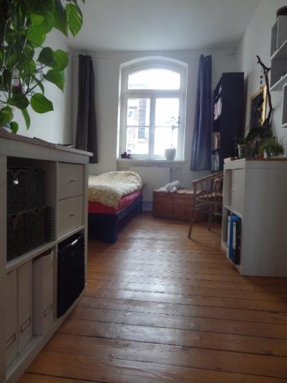 sch nes helles zimmer in unin he wg zimmer kassel m bliert kassel unterneustadt. Black Bedroom Furniture Sets. Home Design Ideas