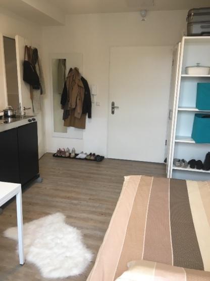 einzimmerwohnung sucht nachmieter 1 zimmer wohnung in stuttgart bad cannstatt. Black Bedroom Furniture Sets. Home Design Ideas