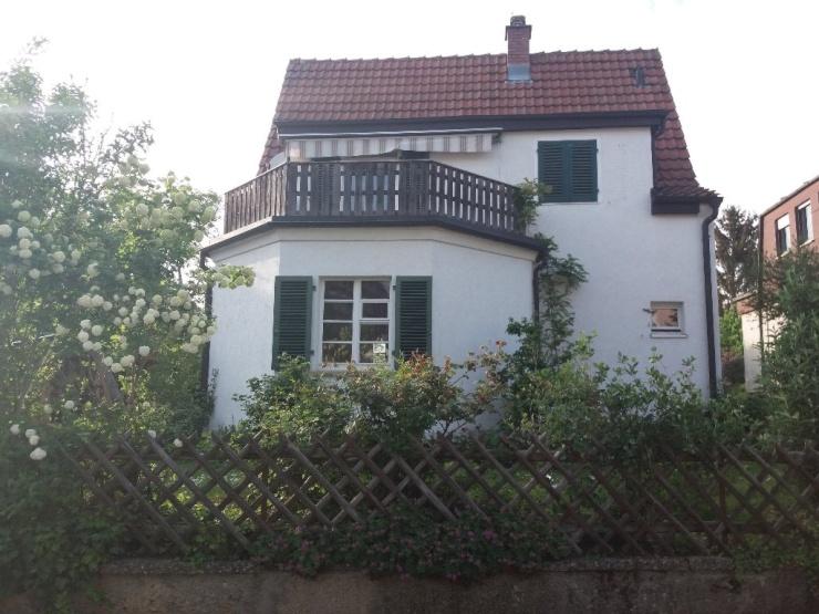 sonniges freistehendes einfamilienhaus haus in esslingen am neckar hohenkreuz. Black Bedroom Furniture Sets. Home Design Ideas