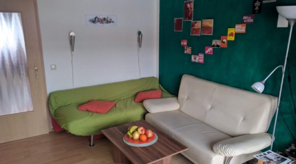 Helle möblierte 2-Zimmer-Wohnung mit Balkon in Rheydt ...