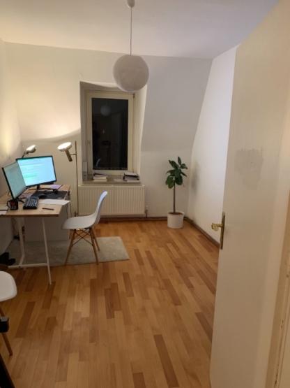 13qm zimmer mit grossem wohnzimmer 75qm wohnung zur for Wohnung zur zwischenmiete