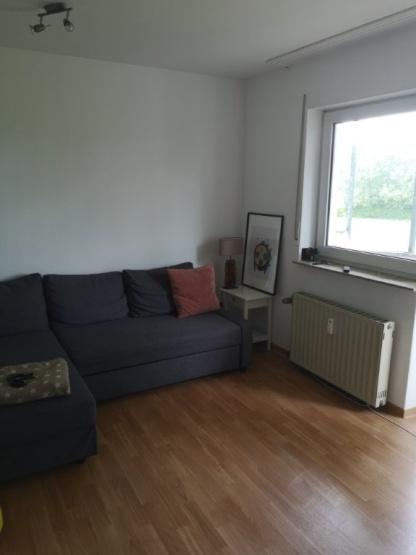 Geräumige 1 Zimmer Wohnung mit Balkon im Grünen - 1-Zimmer ...