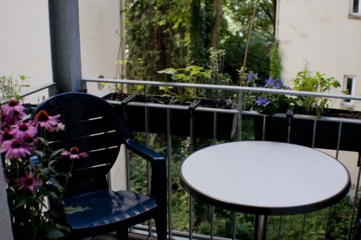 25,5 m² - Zimmer in 160 m² großer Jugendstil-Raucher-WG