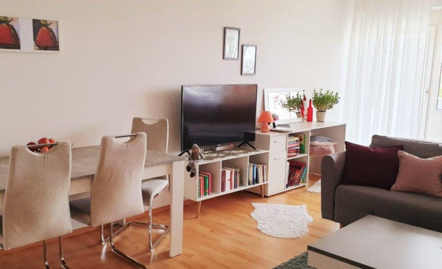 Sehr großzügige neu renovierte 1 Zimmerwohnung - 1-Zimmer